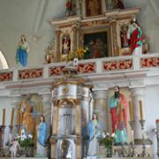 Altorius su Šv. Petro ir Šv. Povilo skulptūromis