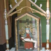 Altorėlis su Pietos skulptūra